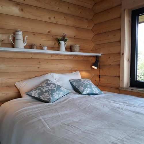 mountain log cabin bedroom