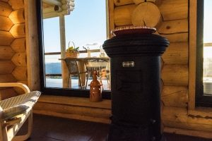 Advantages of log homes and wooden houses